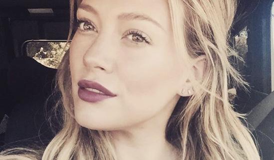 Hilary Duff partecipa al regalo di compleanno 2015