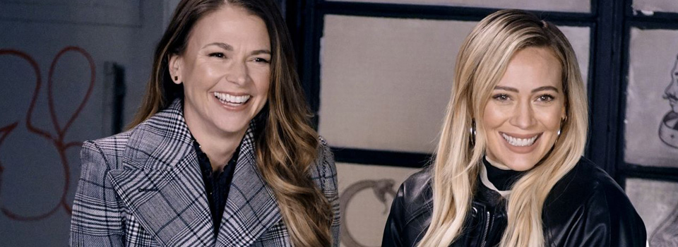 hilary duff younger serie tv foto set nyc sutton foster